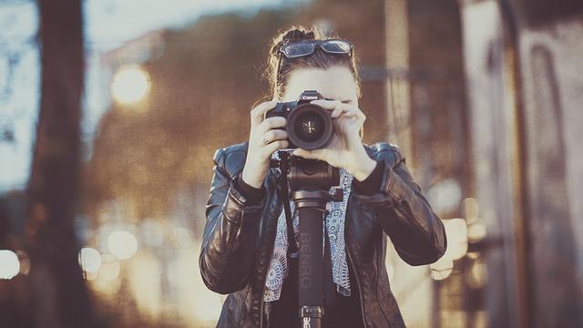 Cechy osoby, która zajmuje się robieniem zdjęć